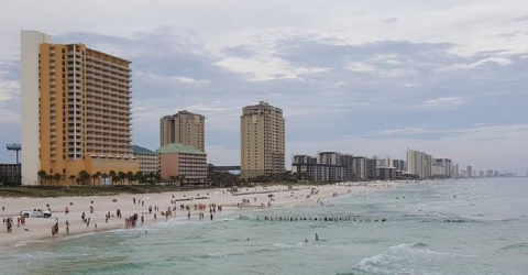 Туристы думали, что люди просто дурачатся на пляже