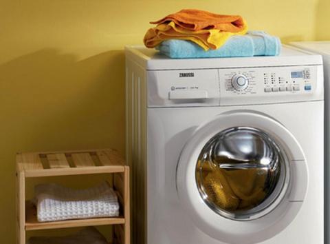 Большая стирка: 15 неожиданных вещей, которые можно стирать в машинке