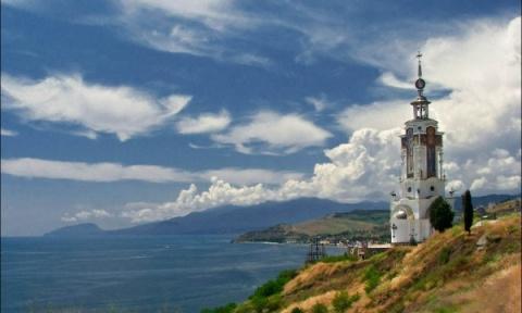 В Храме–маяке на южном берег…