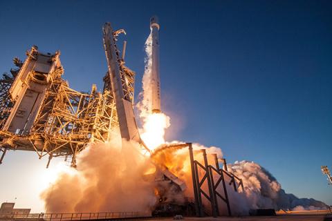 SpaceX принялась хоронить «Роскосмос»
