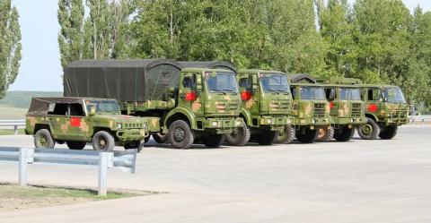 За секунду на 180 градусов: вот как разворачивают грузовики в китайской армии