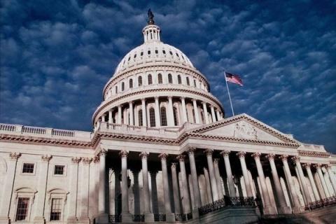 Сенат США одобрил закон оно…