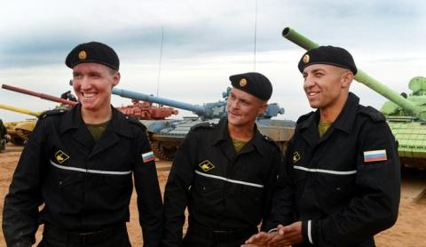 Российским танкистам вернули…