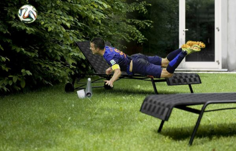Вот она - слава, или как интернет признался в любви голландскому футболисту