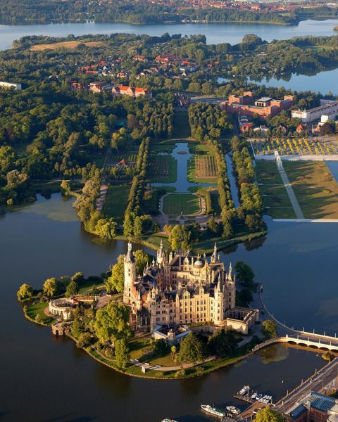 Шверинский замок (Schwerin Castle), Германия