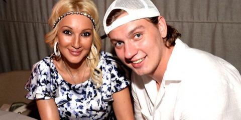 СМИ: Лера Кудрявцева бросила мужа после его измены