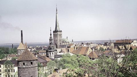 Эстония перезахоронит останк…