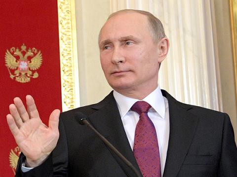 Опрос: Более половины россиян устали ждать от Путина лучшей жизни