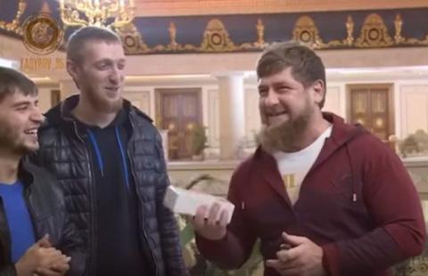 КВНщики Чечени подарили Кады…