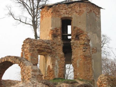 Блуждающий огонек возле руин Кревского замка