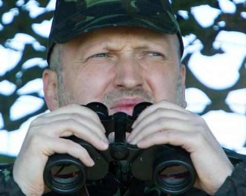 Турчинов обещал отгородить Украину от России крепостью
