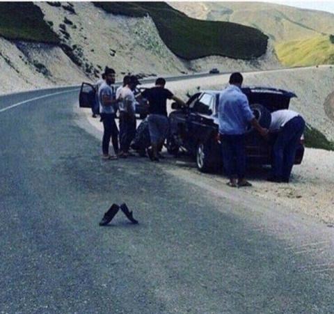 Аварийный знак по-кавказски :)