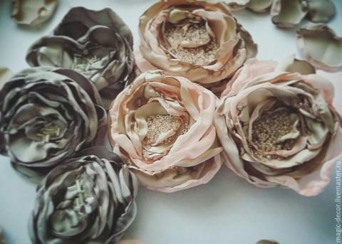 Шьем красивые цветы из ткани