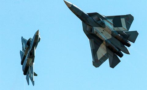 Какими ракетами Су-57 будет бить F-22