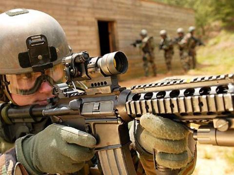 В Сенате США одобрили военны…