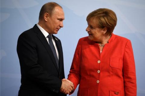 Путин дал понять Меркель, чт…
