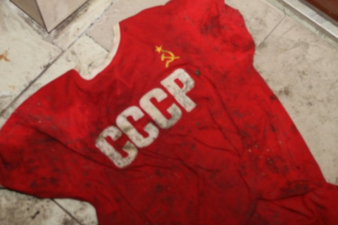ПАЦАНЫ И ДЕВЧОНКИ ВЫЙДУТ С ГОРДОЙ НАДПИСЬЮ СССР И РАЗОРВУТ ТАМ ВСЕХ НАФИГ