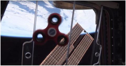 Работающие на МКС астронавты…
