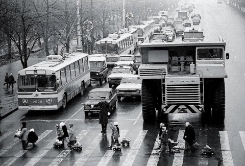 Какая жизнь была в советской…