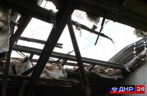 Украинские боевики ночью обстреляли детский сад в Докучаевске