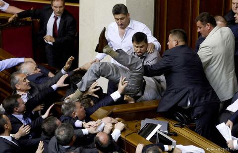 Крым выставлен на торги: о сумасбродном решении Верховной Рады