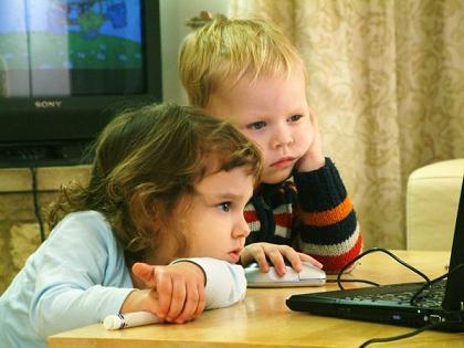 У вас ребенок-молчун? «Благодарите» интернет и себя