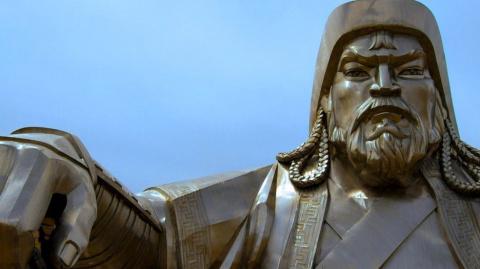 Почему могилу Чингисхана нев…