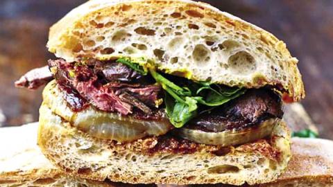Первоклассный сэндвич со сте…