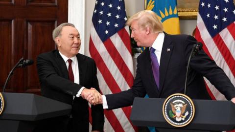 Назарбаев провел встречу с Т…