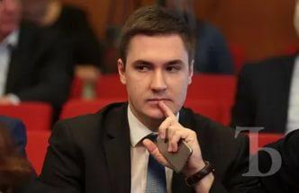 Депутат Крыма прокомментировал предложение президента Украины выдавать украинские загранпаспорта жителям Крыма