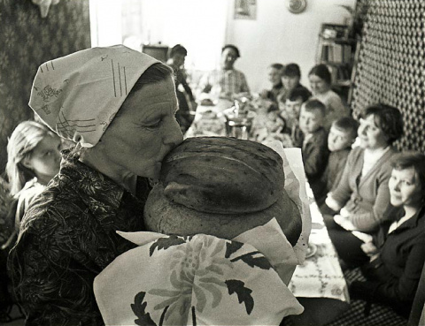 35 живых фотографий времен позднего СССР