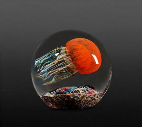Стеклянные скульптуры медуз …