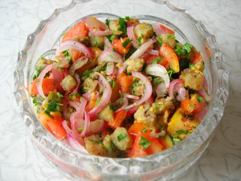 Салат из баклажанов и помидо…