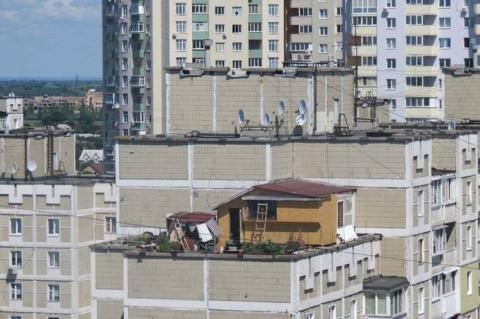 А вы бы жили в доме, расположенном на крыше многоэтажки?