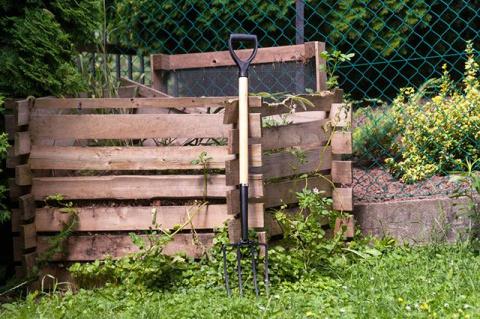 Место для компоста. Какими бывают ящики для растительных и пищевых отходов