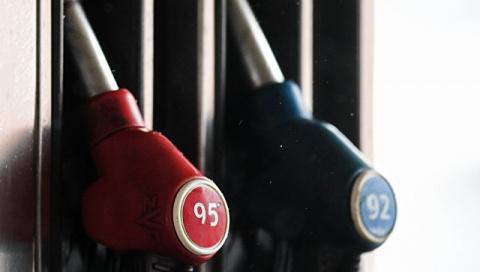 Эксперт назвал причины резкого скачка цен на бензин в России
