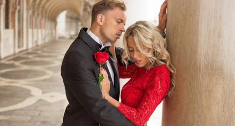 Думаете, любовь - это когда вам дарят букеты роз, и вы нюхаете?