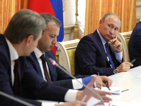 Глава Минсельхоза опозорился перед Путиным