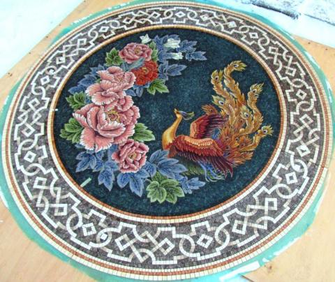 Мозаичная розетка для пола