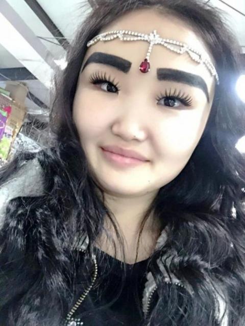 Необычная красота по-якутски. Девушку сфотографировали в автобусе и поехало!