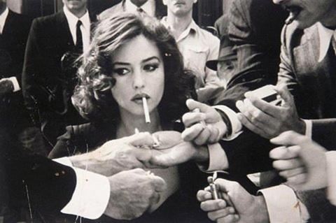 Курить или нет, это дело добровольное, и никто не имеет право запрещать!
