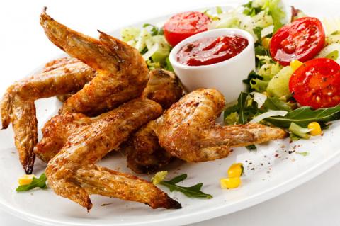 Острые, румяные, хрустящие! Топ 10 вариантов приготовления куриных крылышек