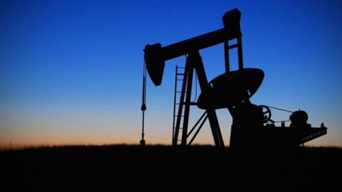 Прогноз: рубль смотрит на Францию и нефть