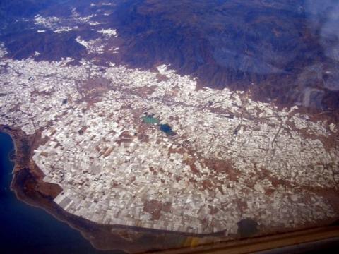 Город теплиц на испанском побережье