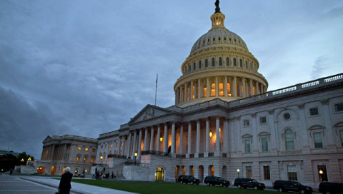 Сенат США принял закон об антироссийских санкциях