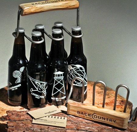 Удобная штука для переноски пива)