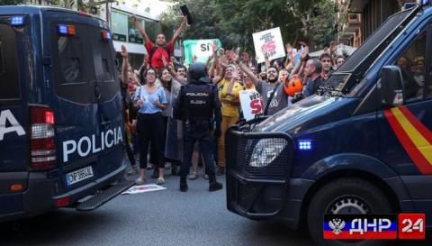 Стрельба на избирательном участке в Каталонии, минимум 4 человека пострадало