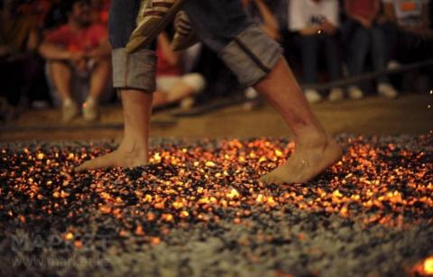 Бег Порошенко: босиком по горячим углям. Искандер Хисамов