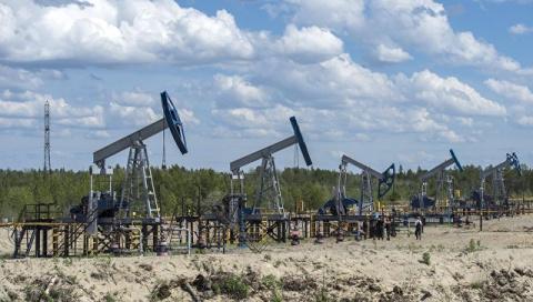 Нефть дешевеет с апрельских …