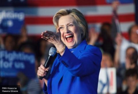 Клинтон попыталась оправдаться, сравнив политику В.Путина с Гитлером
